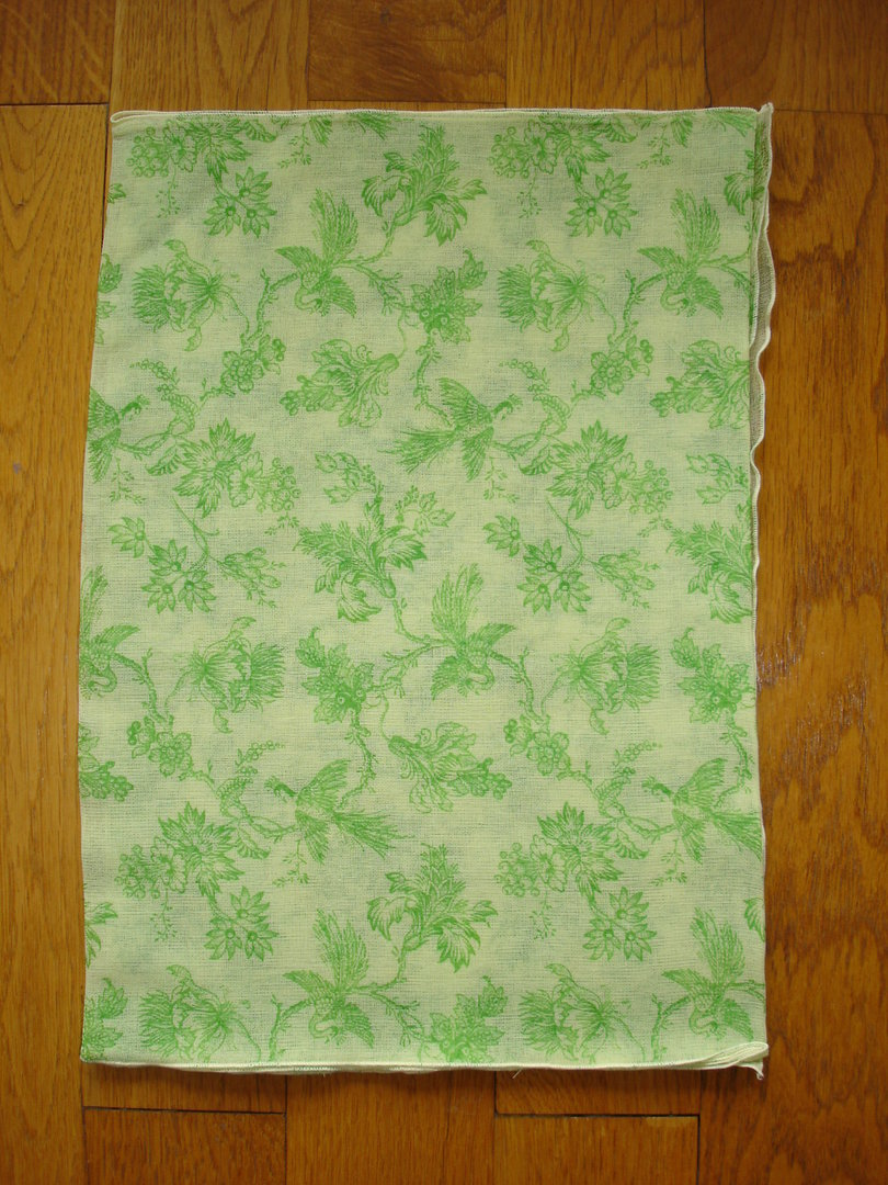 echarpe foulard imprim toile de jouy anis et vert en gaze de coton. Black Bedroom Furniture Sets. Home Design Ideas