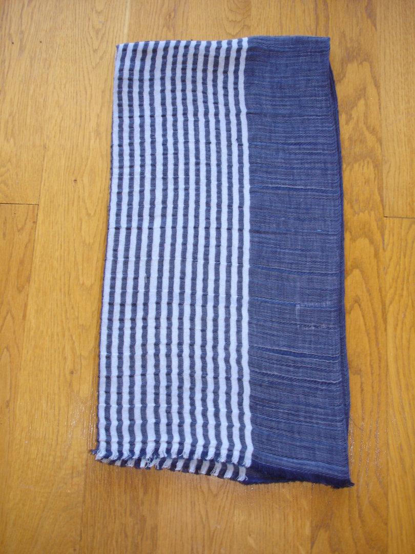 Longue écharpe rayée bleu marine et gris bleu en lin, soie et coton MARC  ROZIER f932dc7c72a